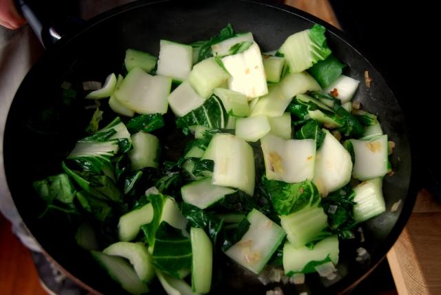 gegrilde varkenslappen met groene groente