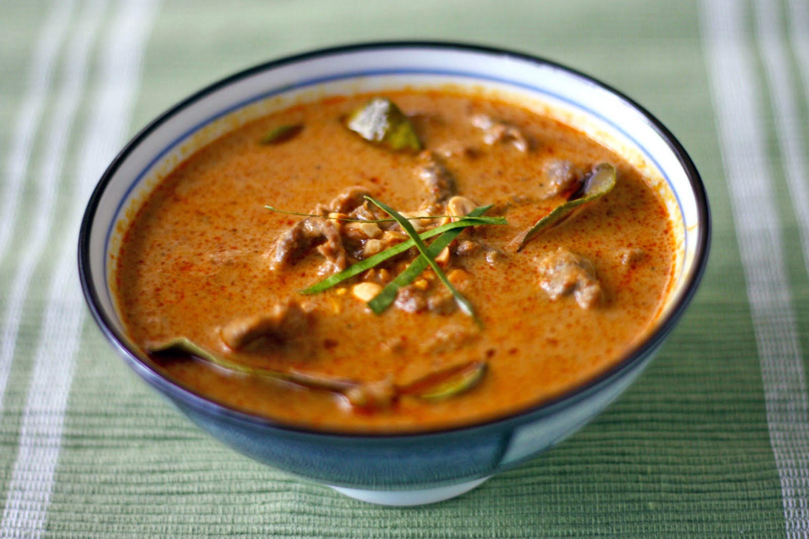 ... kai jpg panang curry with beef from a 26 panang curry panang curry