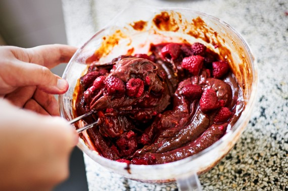 Hemelse brownietaart met frambozen