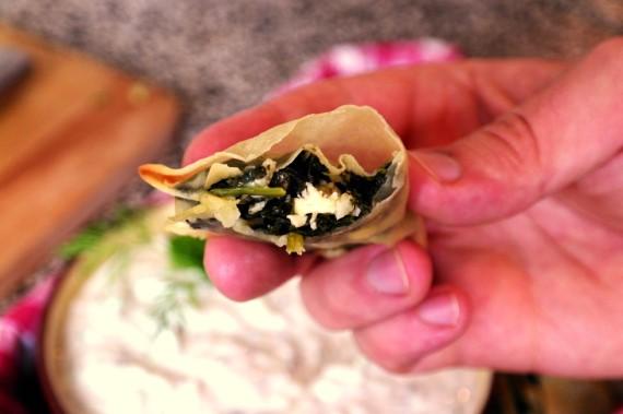 Spanakopita hapjes met tzaziki