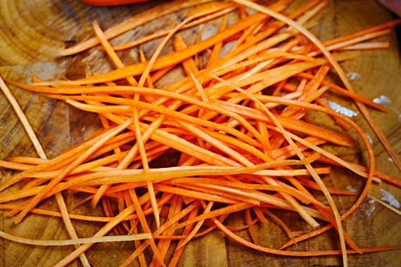 Banh mi thit | Julienne wortel