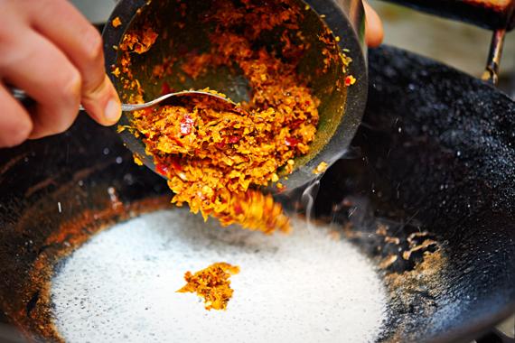Khao Soi | Currypasta toevoegen