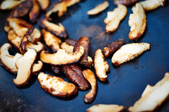 Zelf bibimbap maken |Shiitake bakken