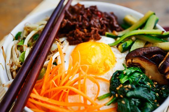 Zelf bibimbap maken (Koreaans rijstgerecht) | Puur Eten