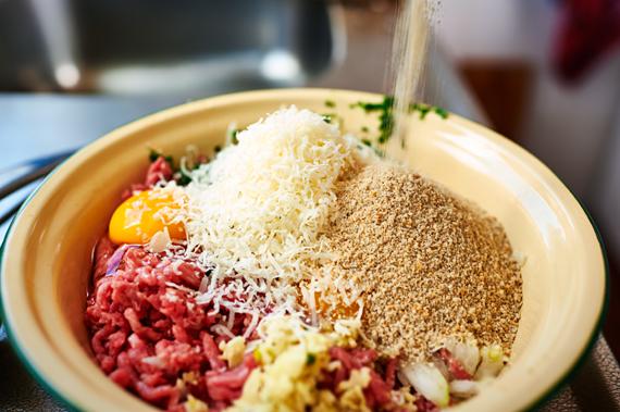 Ingrediënten voor de gehaktballen - Gebakken ziti | Puur Eten