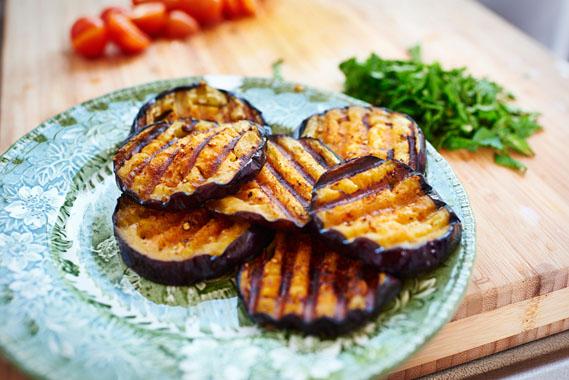 Gegrilde aubergines | Gegrilde aubergines met feta en munt